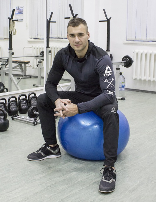 Тренер по фитнесу Алексей Динулов